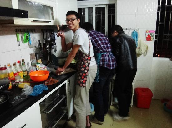 Dozycat Youth Hostel: 厨房