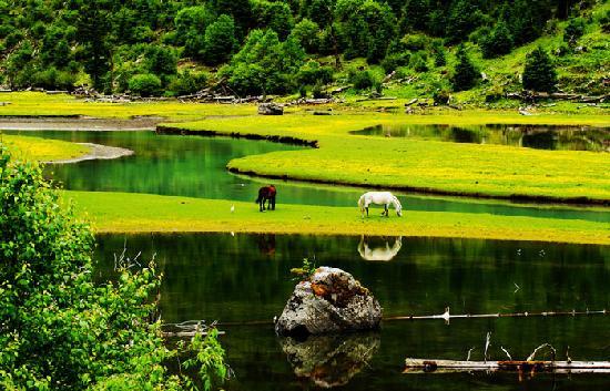 Dengba Hostel Lianhua Lake