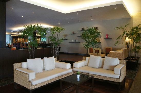 Novotel Hua Hin Cha Am Beach Resort and Spa: 大厅