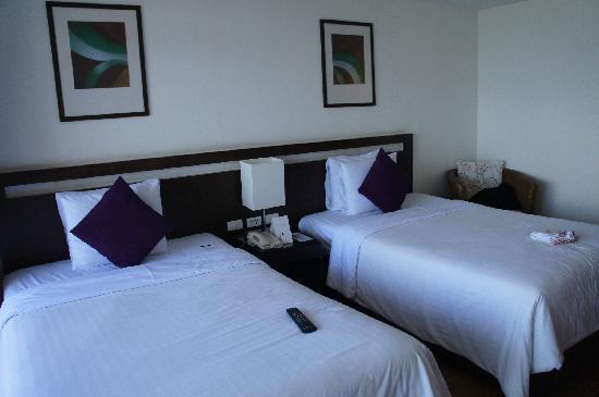 Novotel Hua Hin Cha Am Beach Resort and Spa: 双床房