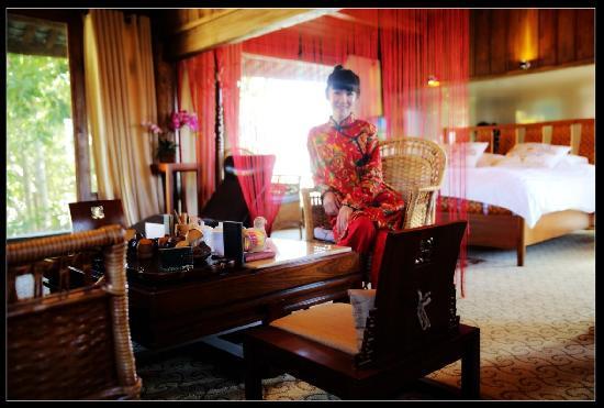 Shuhe Jinli Inn: 十三姨总统套房客厅
