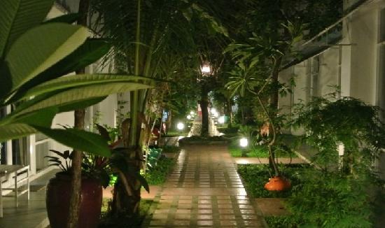 Khun Chaweng Resort: dt