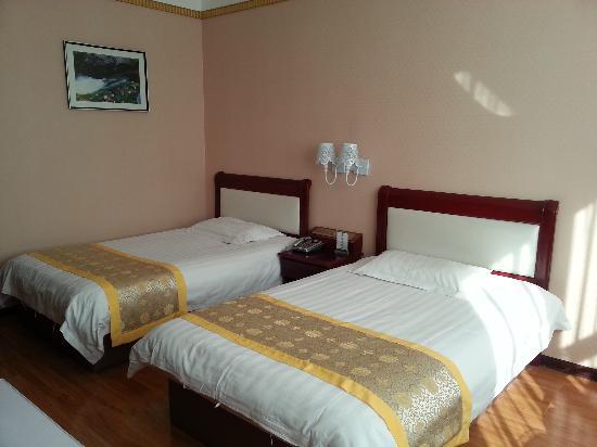Xin Yin Bai Business Hotel: 标间