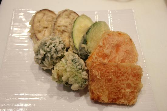 Hokkaido Sushi: vegetable tempura