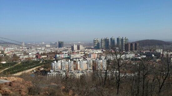 Wugang, Chiny: 垭口全景