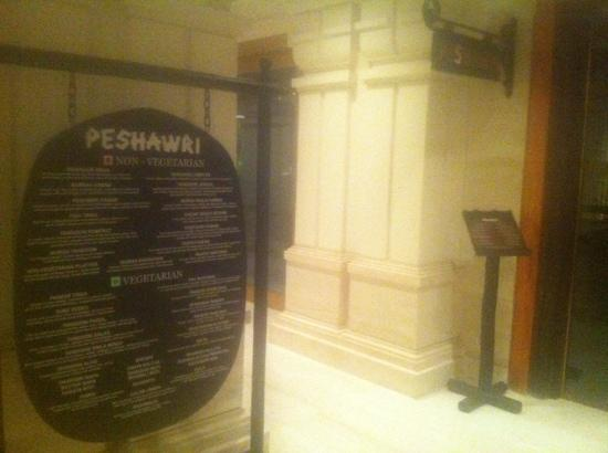 Peshawri: 门牌兼菜单