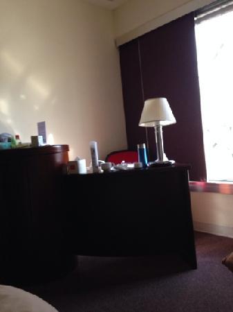 Prudential Hotel: 房间