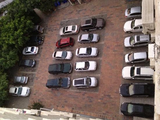 Lincang, Китай: 停车场