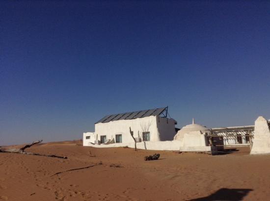 Shapotou Tourist Zone: 沙漠酒店