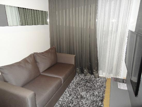 Arize Hotel Sukhumvit: 小客厅