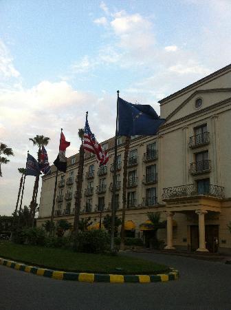 Concorde El Salam Hotel Cairo by Royal Tulip: 酒店主楼
