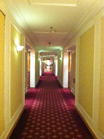 Concorde El Salam Hotel Cairo by Royal Tulip: 楼层道