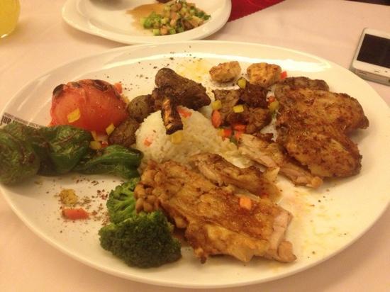 Efes Restaurant Turkish & Mediterranean Cuisine : 烤肉拼盘
