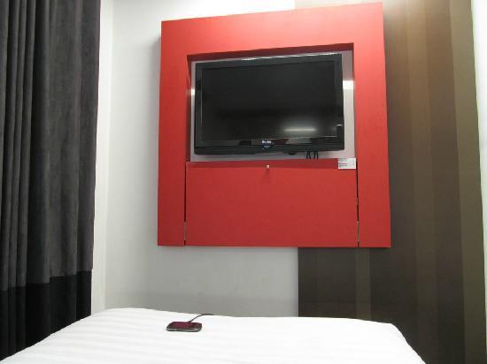 Tune Hotel - Downtown Kuala Lumpur: 电视