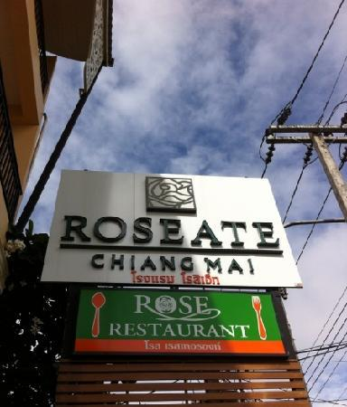 Roseate Hotel: v