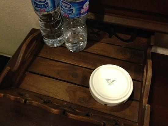 Lanta Mermaid Boutique House : 酒店房间内提供的烟灰缸