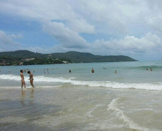 Kata Beach: 涨潮