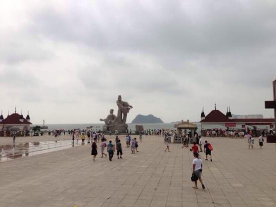 Bijia Mountain of Jinzhou: 广场