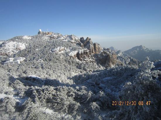 Mt. Huangshan (Yellow Mountain): 冬季的黄山