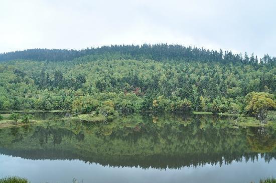 Shudu Lake: 属都湖