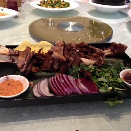 Jiu ZhuanXiao Mo (HongQi Main Street): 美味实惠的餐厅