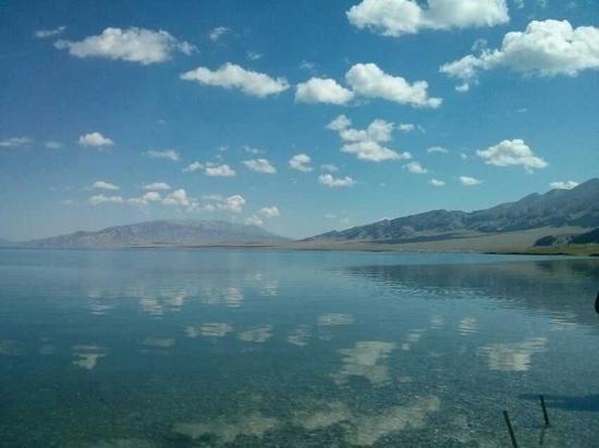 Sailimu Lake: 赛里木湖