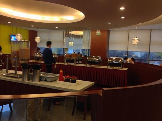 Holiday Inn Express Shenzhen Luohu: 二楼歺厅
