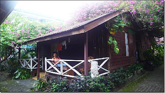 Ombak Inn Resort: 舒适的小木屋