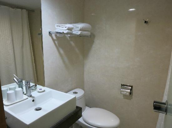 Hotel B Taipei: 盥洗台