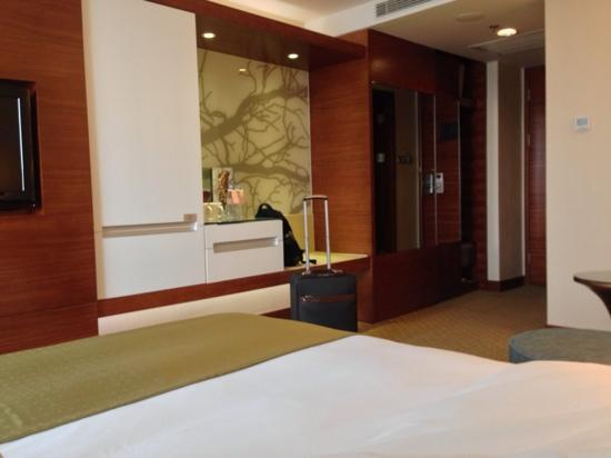 Holiday Inn Shenzhen Donghua: 大床房