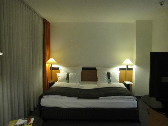 Holiday Inn Berlin City Center East-Prenzlauer Allee: 房间内部