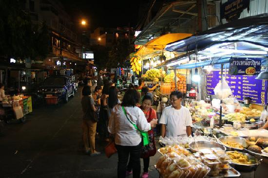 Khao San Road: 全世界闻名的背包客集中地考山路
