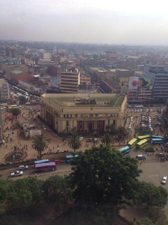 Hilton Nairobi: 楼下就是市中心