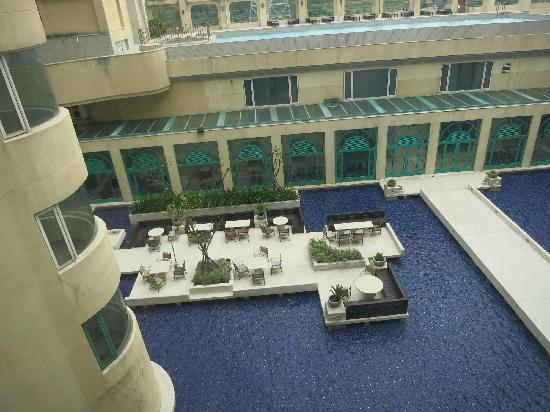 Bouti X Hotel : 俯瞰水景中庭