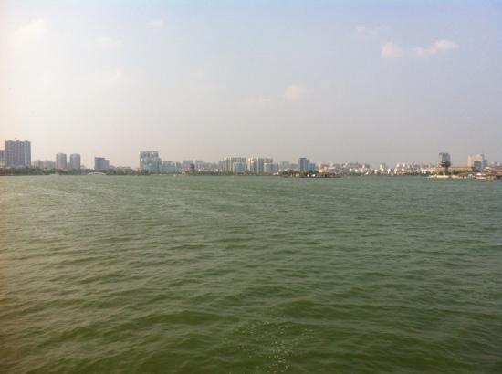 Dongchang Lake: 很大