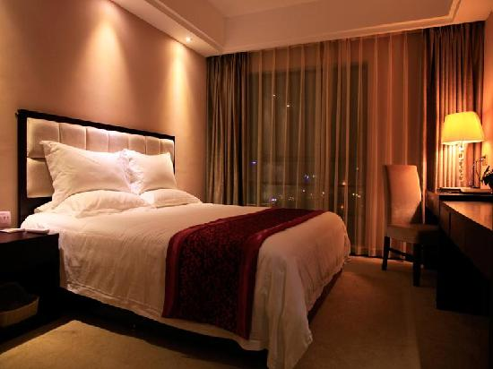 GreenTree Eastern Xishuangbanna Poshui Square Hotel