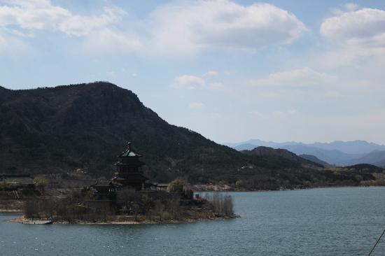 The Ming Tombs Reservoir: 十三陵水库