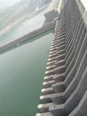 Three Gorges Dam Project : 三峡