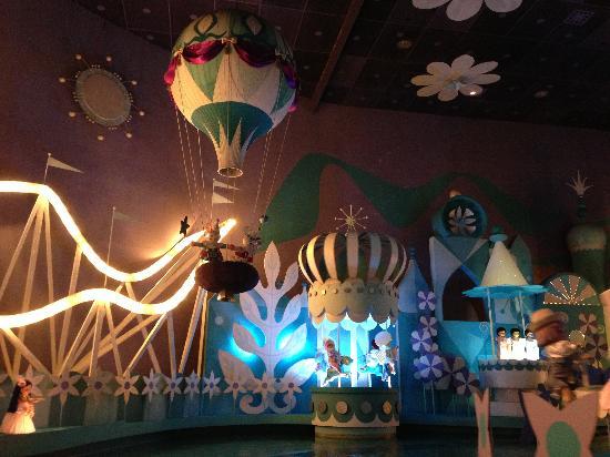 Hong Kong Disneyland Hotel : 迪士尼