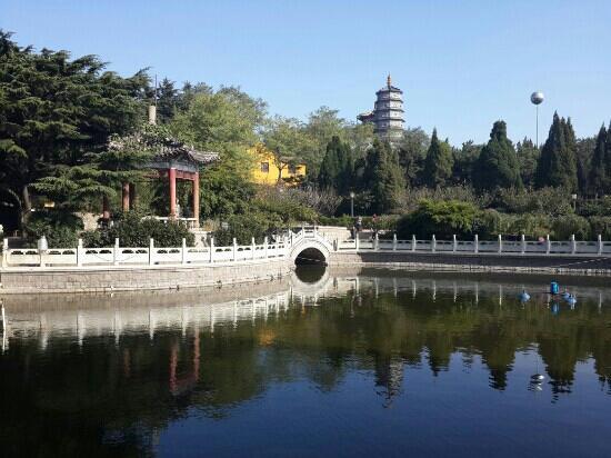 Zhanshan Temple: 秋天照的