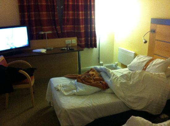 Holiday Inn Express Dundee: 房间
