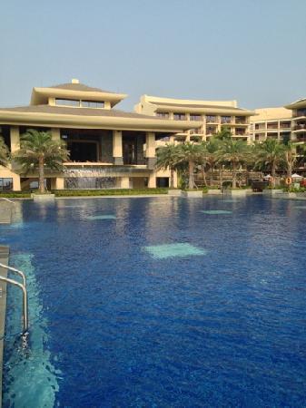 Sheraton Shenzhou Peninsula Resort: 户外泳池