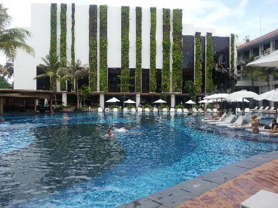The Stones Hotel - Legian Bali, Autograph Collection: 酒店泳池