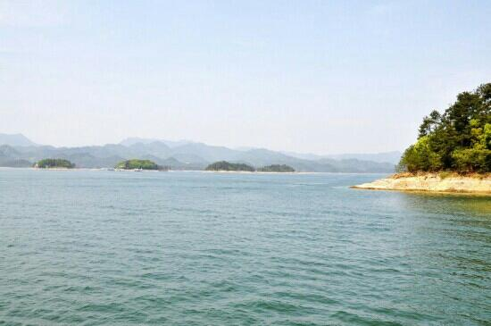 Thousand Island Lake (Qiandao Hu): 千岛湖