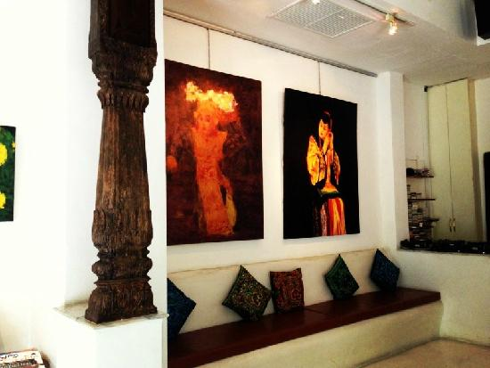 At Niman Conceptual Home: 画展室
