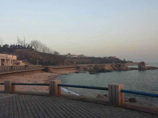 Qingdao Beach: 我在散步