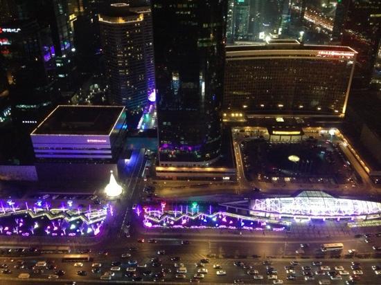 Shangri-La's China World Hotel: 酒店夜景俯瞰