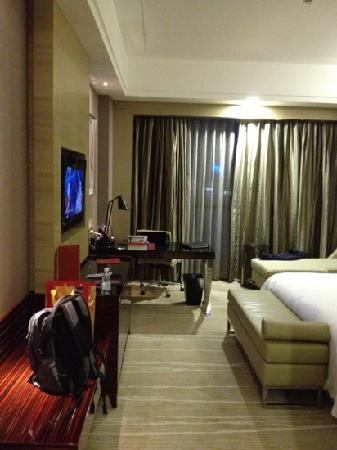 Crowne Plaza Shenzhen Longgang City Centre : 房间