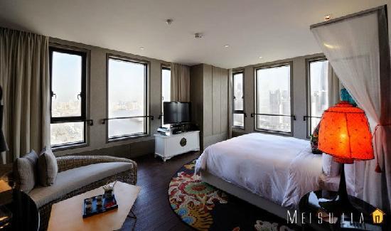 Hotel Indigo Shanghai on the Bund: 卧室部分