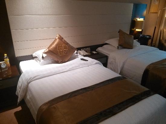 Ritan Hotel: 双人床